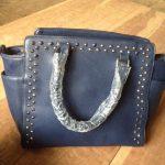 Stoere tassen: Glossy bag blauw met studs